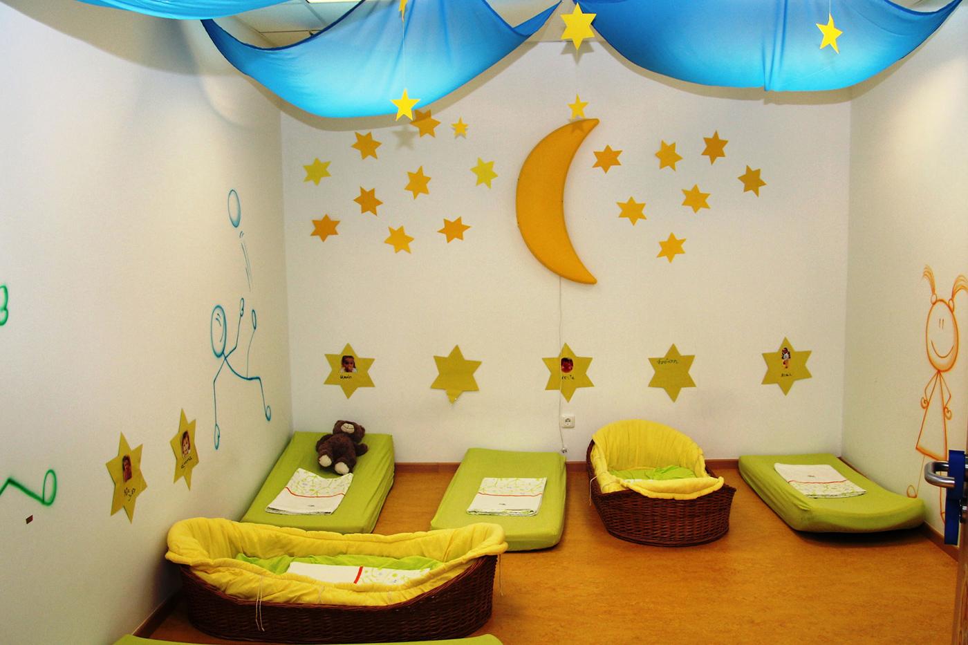 Einer der Schlafräume Kindergarten Rödermark